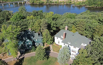 Aerial photo of the Linden Hill estate with the Musser and Weyerhaueser mansions